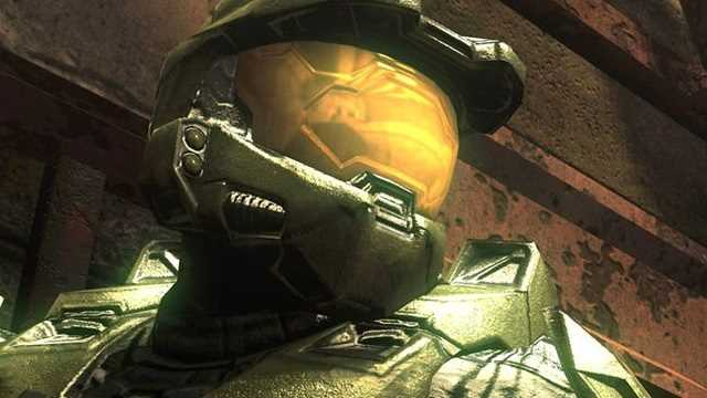 HALO: Actor Pablo Schreiber Gives Us A First Look Of Half Of Master Chief's Helmet
